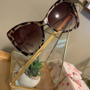 Oversized Leopard Print Cat Eye Sunglasses